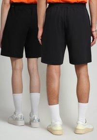 Napapijri - NASAN - Shorts - black - 4