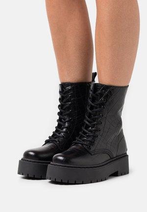 WIDE FIT BIADEB LACED UP BOOT  - Enkellaarsjes met plateauzool - black