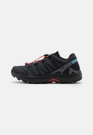 XA PRO 1 UNISEX - Baskets basses - black/magnet/racing red