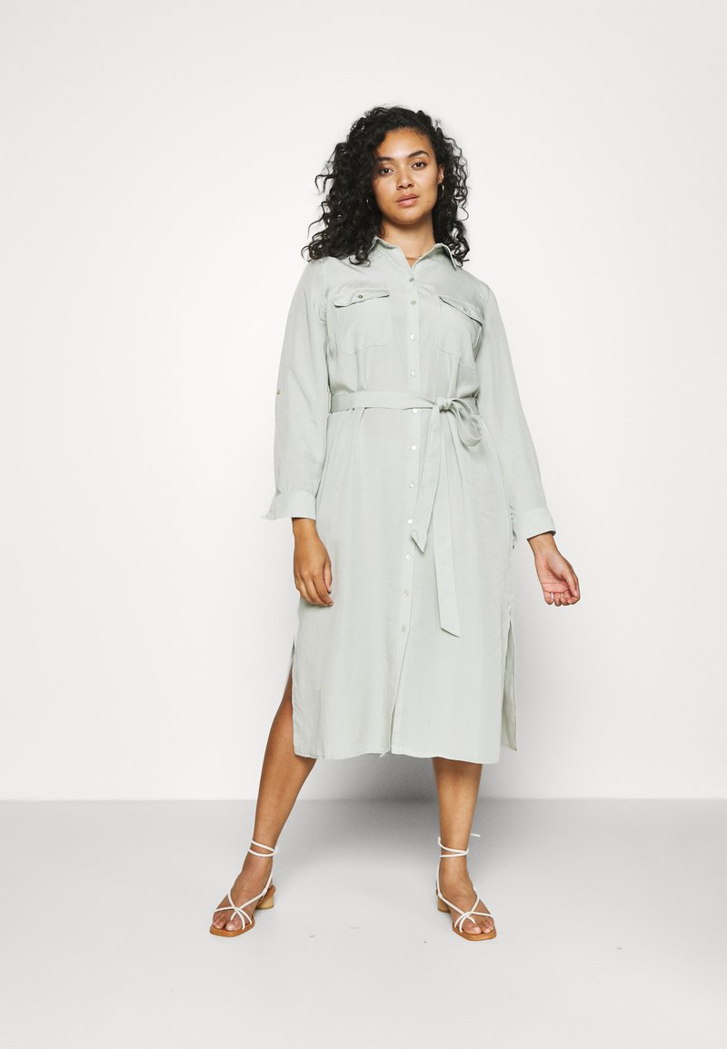 Forever New Curve - CARLIE CURVE MIDI SHIRT DRESS - Shirt dress - soft sage