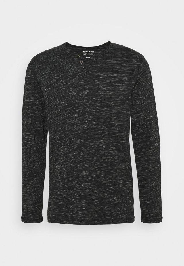 JORCHALLO TEE SPLIT NECK - T-shirt à manches longues - tap shoe