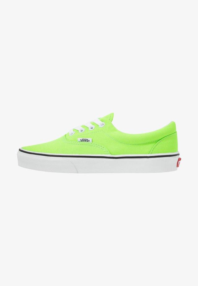 ERA - Matalavartiset tennarit - neon green gecko/true white