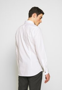 Strellson - SILAN-UMA SLIM FIT - Formal shirt - white - 2