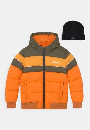 TONIUS SET - Winter jacket - fall orange/deep black