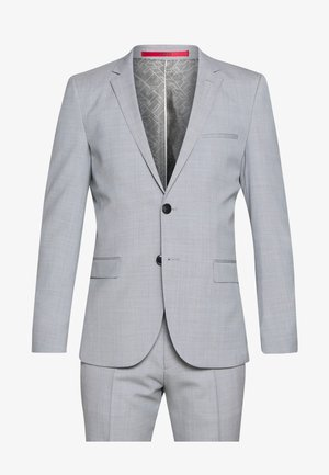 Suit - light/pastel blue