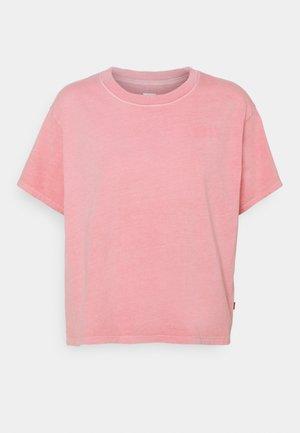 GRAPHIC VARSITY TEE - T-shirt z nadrukiem - pink