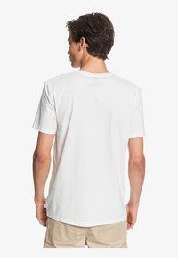Quiksilver - SAVIORS ROAD - T-shirt con stampa - snow white - 2