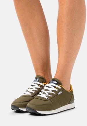 ONLSAHEL LIFE  - Sneakers laag - olive