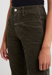 CLOSED - PEDAL PUSHER - Jeans Relaxed Fit - sea tangle - 6