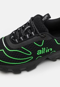 all in - TENNIS UNISEX - Trainers - black/green - 5