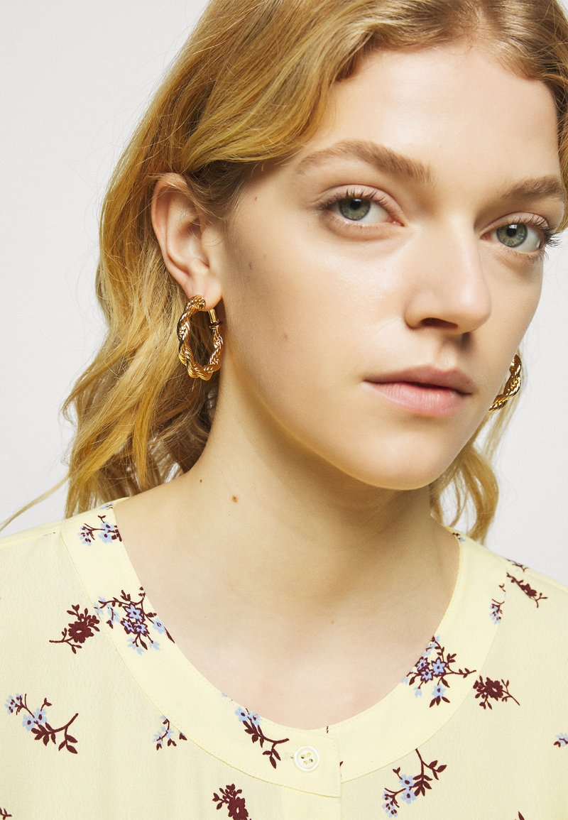 Rebecca Minkoff - ROPE CHAIN HOOP EARRING - Pendientes - gold-coloured