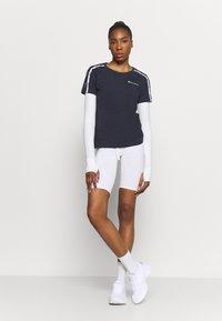 Champion - CREWNECK - Camiseta estampada - dark blue - 1