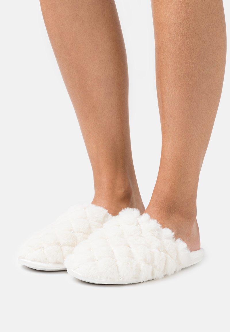 Head over Heels by Dune - FERLA - Muiltjes - white