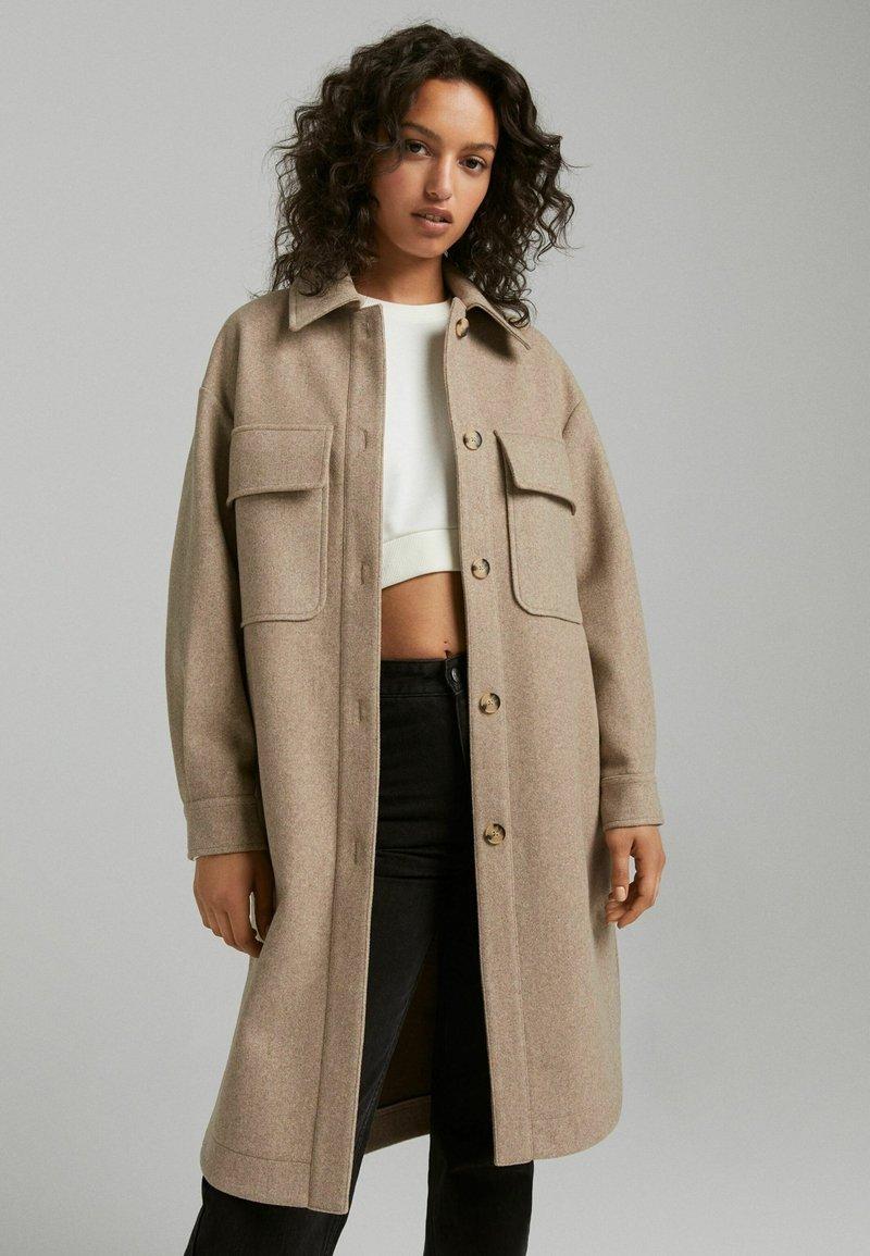 Bershka - Klassinen takki - beige