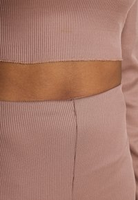Missguided - RIB CROP TOP & CYCLING SHORT SET - Shorts - brown - 5