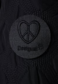 Desigual - PADDED LEICESTER - Cappotto invernale - black - 8