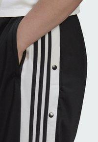 adidas Originals - ADIBREAK ADICOLOR CLASSICS PRIMEGREEN SLIM PANTS - Tracksuit bottoms - black - 3
