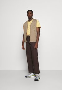 HUF - CRASH TEE - Print T-shirt - washed yellow - 1