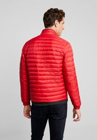 Tommy Hilfiger - PACKABLE DOWN JACKET - Down jacket - red - 2