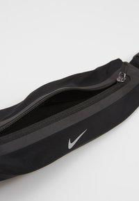 Nike Performance - SLIM WAISTPACK 2.0 UNISEX - Bum bag - black/silver - 5