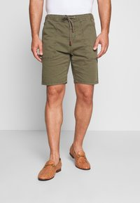 INDICODE JEANS - THISTED - Shorts - dark green - 0