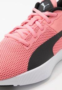 Puma - FLYER RUNNER JR UNISEX - Neutral running shoes - salmon rose/black/white - 2