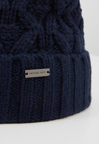 Michael Kors - CABLE CUFF HAT - Berretto - midnight - 5