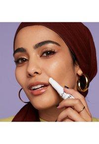 Nyx Professional Makeup - PORE FILLER STICK - Primer - 01 - 2