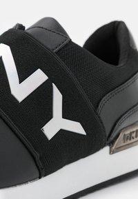 DKNY - MARLI - Nazouvací boty - black - 6