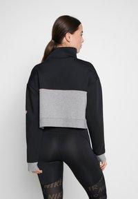 Nike Performance - DRY - Felpa - black/carbon heather/white - 2