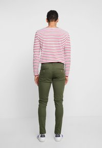 Blend - BHNATAN PANTS - Chino - olive night green - 2