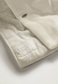 Mango - ANORAK - Winter jacket - cremeweiß - 3