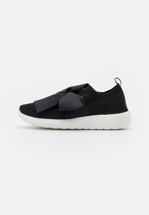 BOW RUNNER - Trainers - black