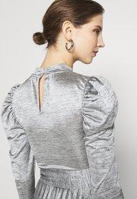 Topshop - PREMIUM MARL PLEATED - Vestido de cóctel - grey - 6