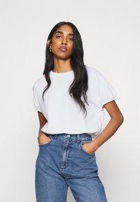 Gina Tricot - SAL - Basic T-shirt - white - 0
