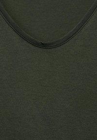 Cecil - MIT SMOK - Print T-shirt - grün - 4