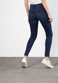 MAC Jeans - DREAM SKINNY - Jeans Skinny Fit - basic slight used blue - 1