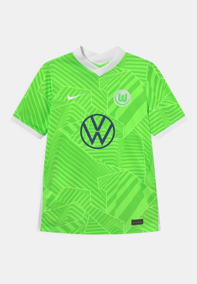 VFL WOLFSBURG UNISEX - Club wear - ghost green/white