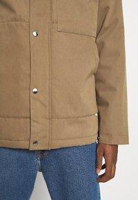 Cleptomanicx - COACHES COAT - Light jacket - otter - 5