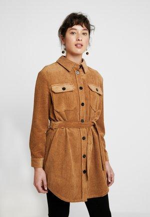 VMCORDAFIA - Button-down blouse - tobacco brown