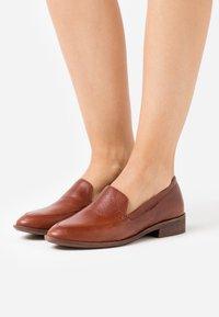 Madewell - FRANCES LOAFER - Slip-ons - burnished mahogany - 0