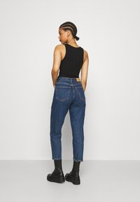 Monki - TAIKI LA LUNE - Straight leg jeans - blue medium dusty - 2