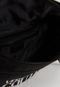 Versace Jeans Couture - Marsupio - black - 4