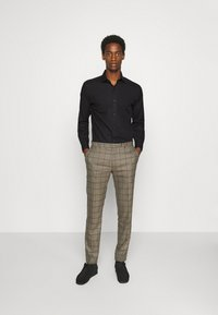 Jack & Jones PREMIUM - JPRBLAROYAL - Formal shirt - black - 1