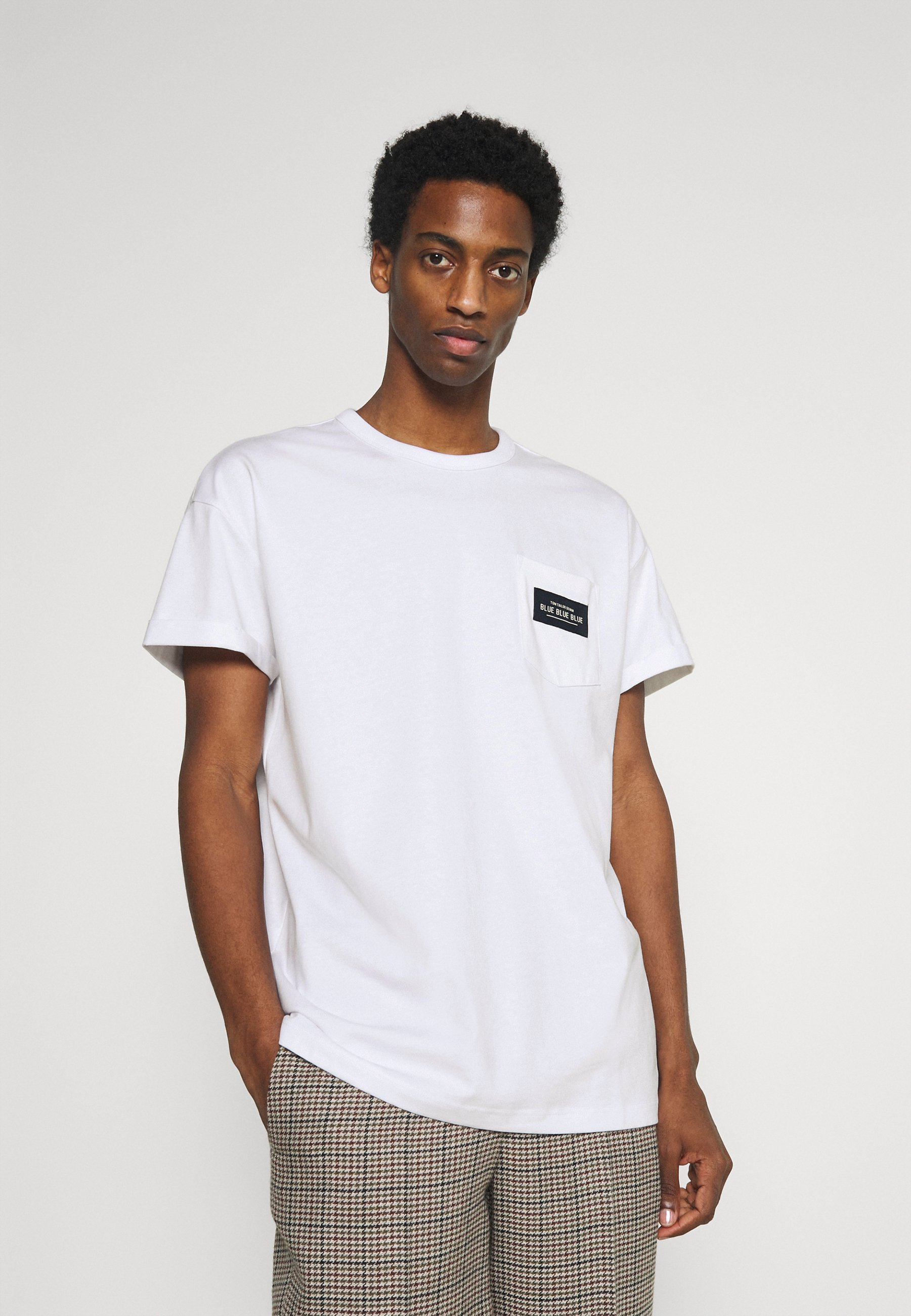 Men BOXY WITH POCKET AND LABEL - Print T-shirt