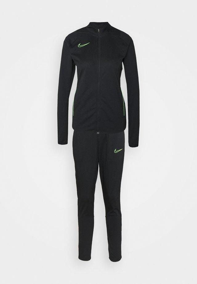 SUIT - Dres - black/green strike