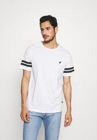 Pier One - 2 PACK - Print T-shirt - black/white - 1