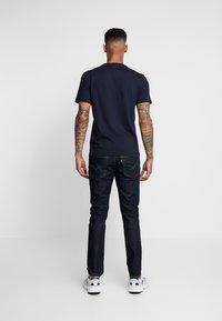 Calvin Klein - CHEST LOGO - T-shirt - bas - calvin navy - 2