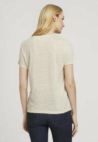 TOM TAILOR - T-shirt - bas - linen white - 2