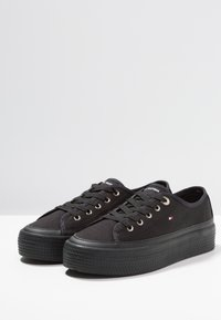 Tommy Hilfiger - CORPORATE FLATFORM  - Baskets basses - black - 4